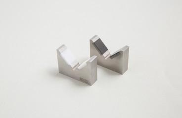 Bonded ceramic and metal sample